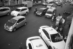 Suatu pagi di Jalan Matraman Raya.