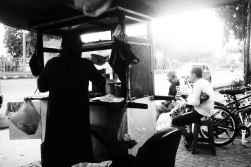 Penjual bubur ayam.