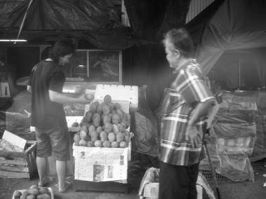 Penjual buah.