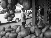 Kios buah.